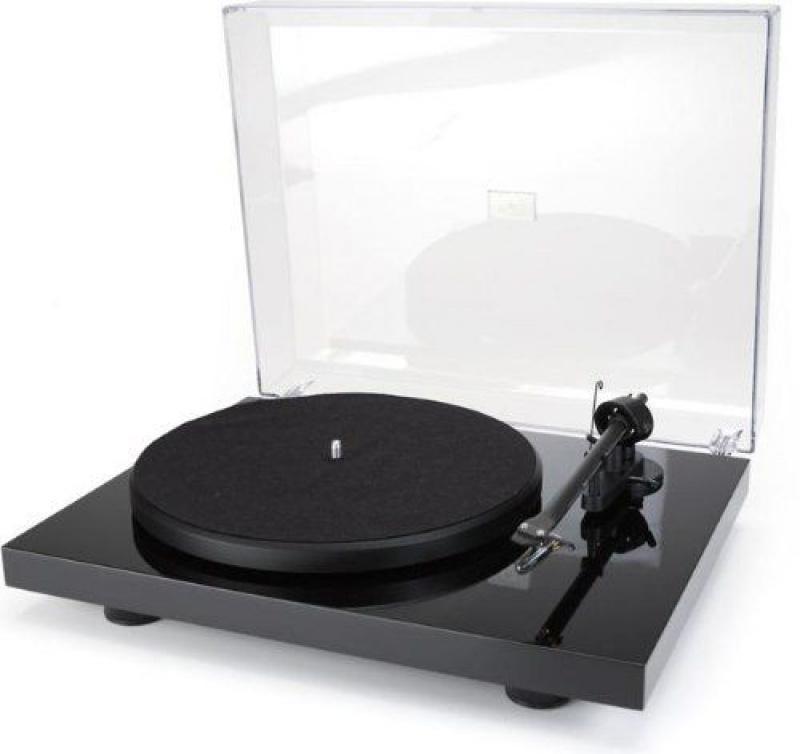 Pro-Ject Debut III Piano black + vložka Ortofon OM 10