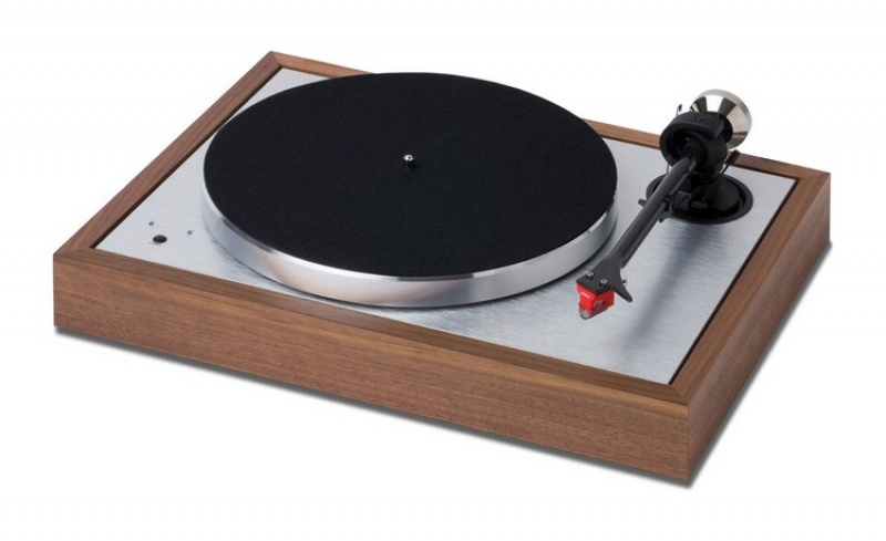 Pro-Ject The Classic Evo Walnut + Quinted Red