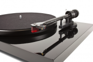 Pro-Ject Debut Carbon DC Black + 2MRed