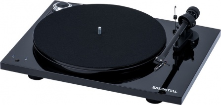 Pro-Ject Essential III RecordMaster Black + OM10